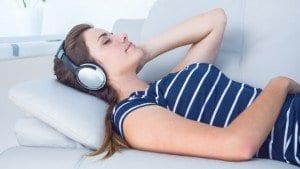 6 rimedi naturali per dormire bene - musicoterapia