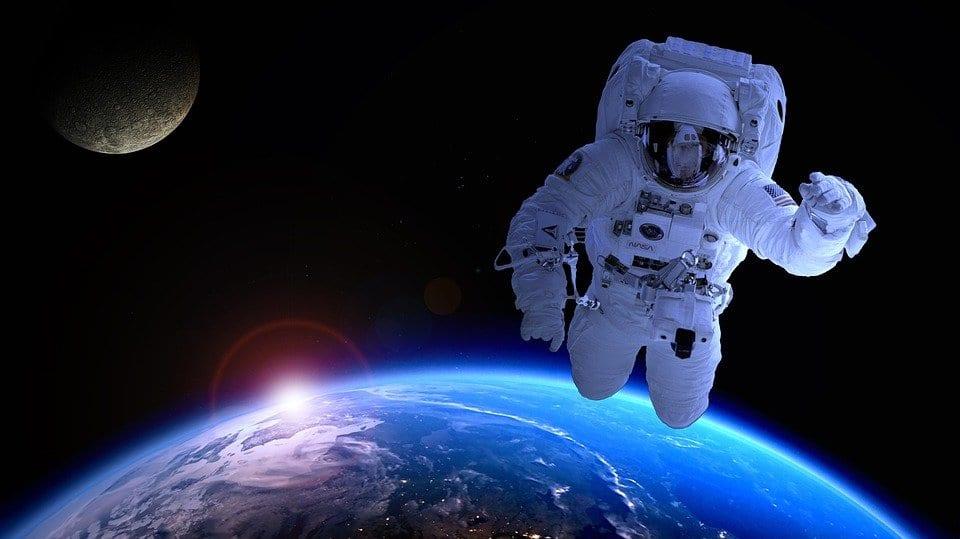 cosa succede al corpo degli astronauti nello spazio?