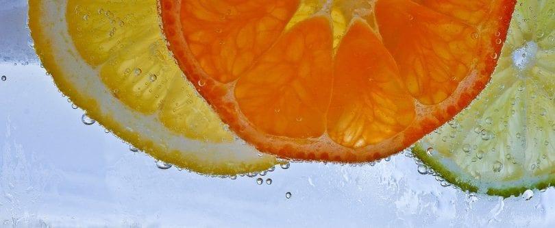 vitamina c: Struttura, fonti, assorbimento, degradazione, carenza e tossicità