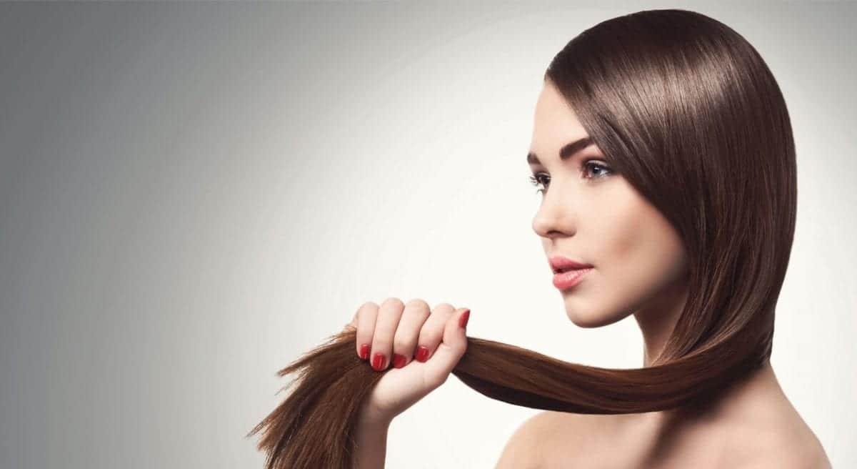 Stirare i capelli fa male?