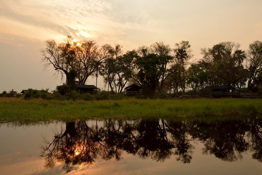 Tramonto sul fiume Okavango