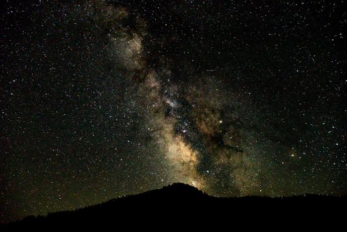 se il Sole si spegnesse vedremmo bene la via Lattea